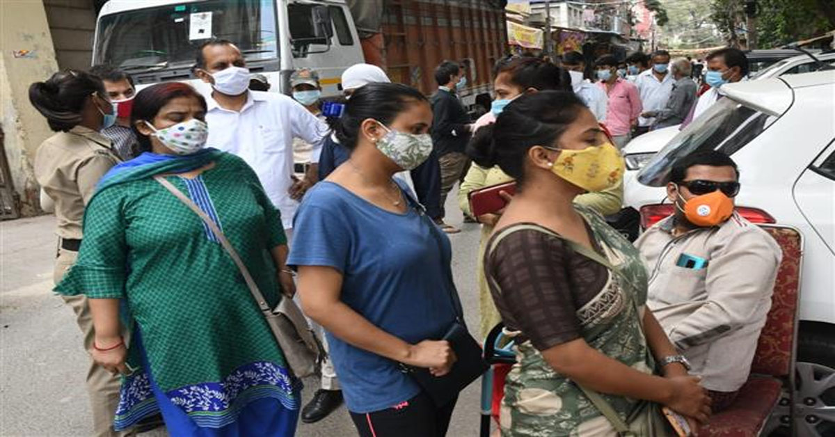 India registers 85,362 new COVID-19 infections in a day