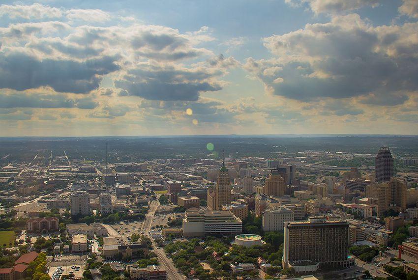 "Judge dismisses part of Texas' ""sanctuary city"" lawsuit against San Antonio"