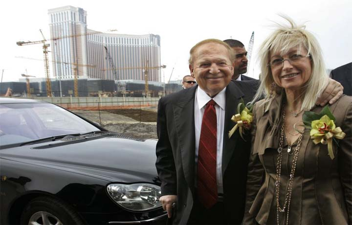 GOP megadonor Miriam Adelson is winning a medal. But are Republicans losing the political money war?